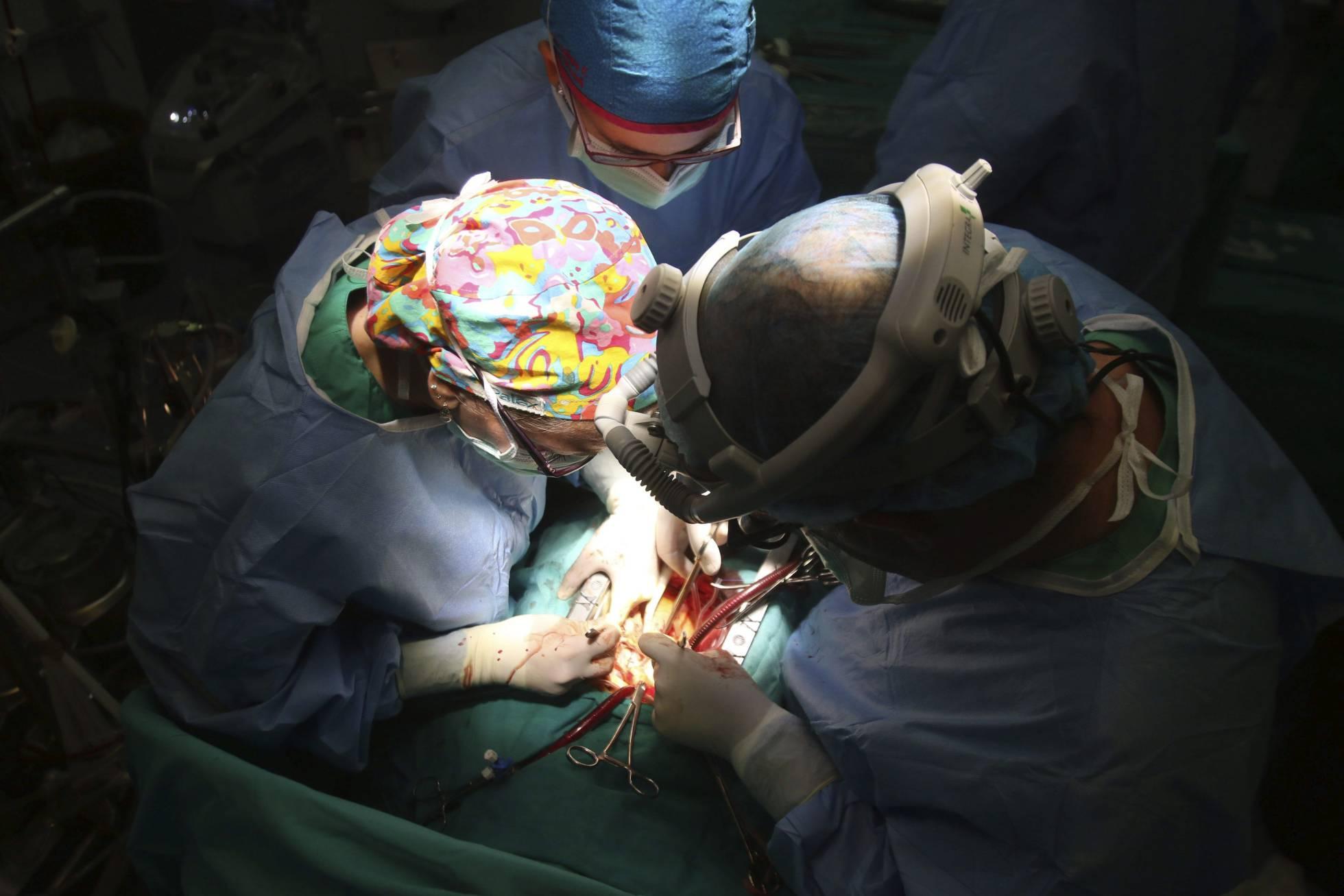 Operación de trasplante en el hospital Reina Sofía de Córdoba. Agencia EFE